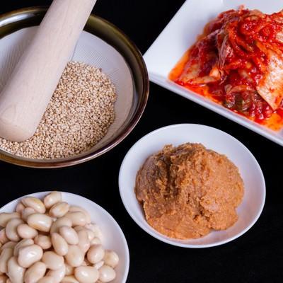 「ゴマ・味噌・豆・キムチ」の写真素材