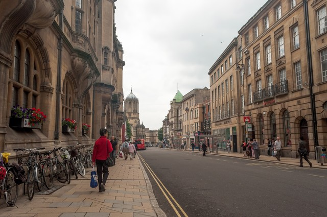 オックスフォードの町並みの写真