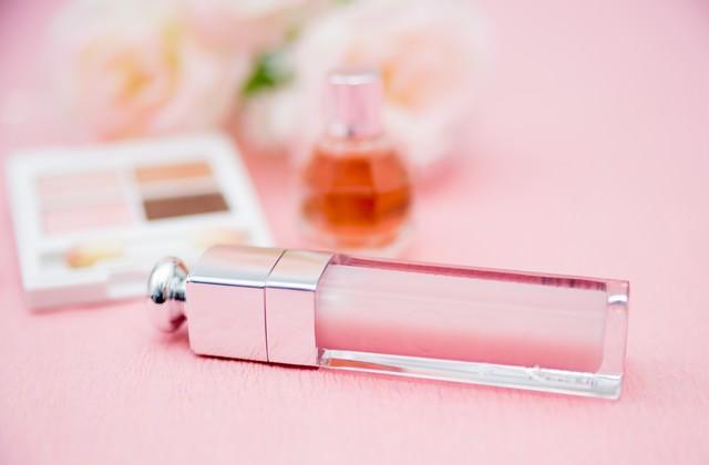 リップグロスと化粧品の写真