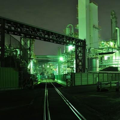 「川崎工業地帯の夜景」の写真素材