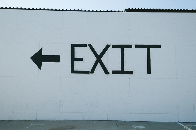 ← EXIT(お帰りはあちら)の写真