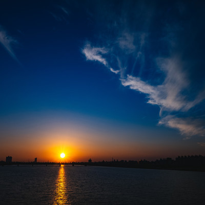 日が暮れるの写真