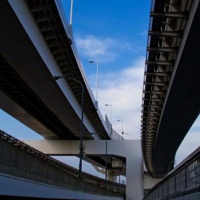 「レインボーブリッジ高速道路の下」の写真素材