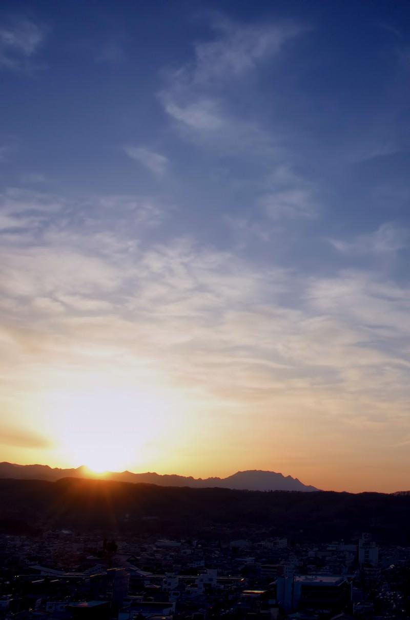 「日没前の山なみ」の写真