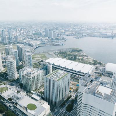 横浜の都市風景(パシフィコ横浜方面)の写真