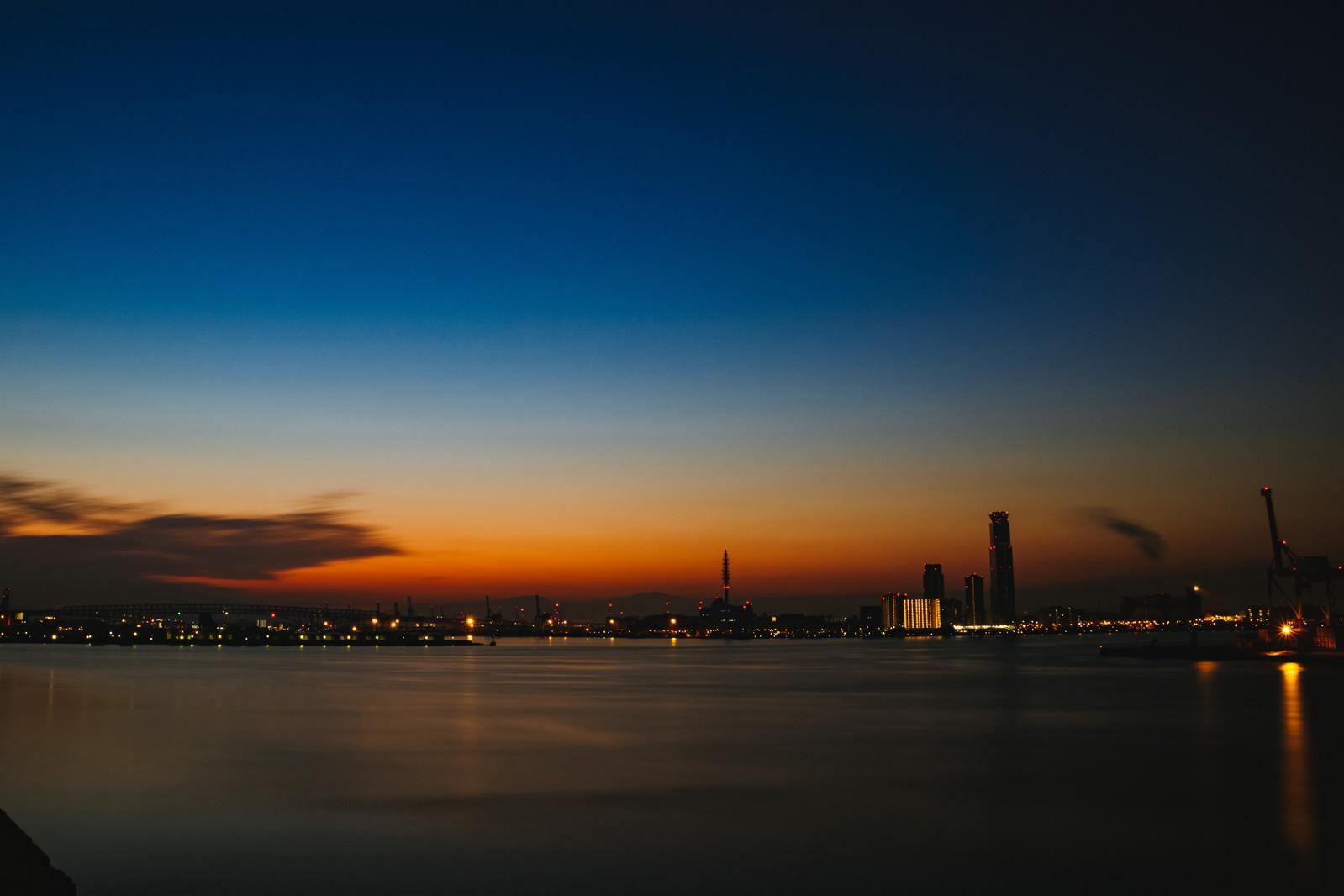 「静寂な朝焼け」の写真