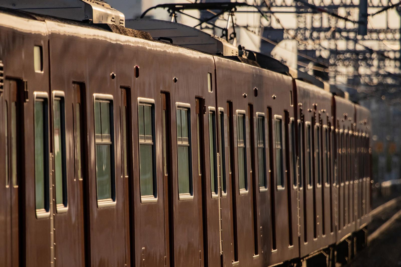 「今は無き大阪環状線103系 | 写真の無料素材・フリー素材 - ぱくたそ」の写真
