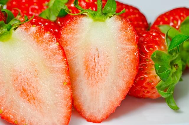イチゴの断面の写真