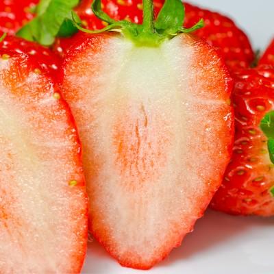 「イチゴの断面」の写真素材