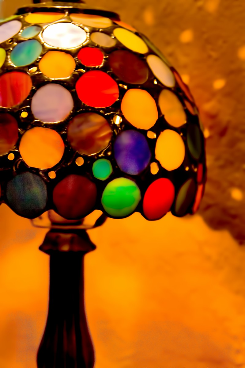 「ステンドグラスのランプ」の写真