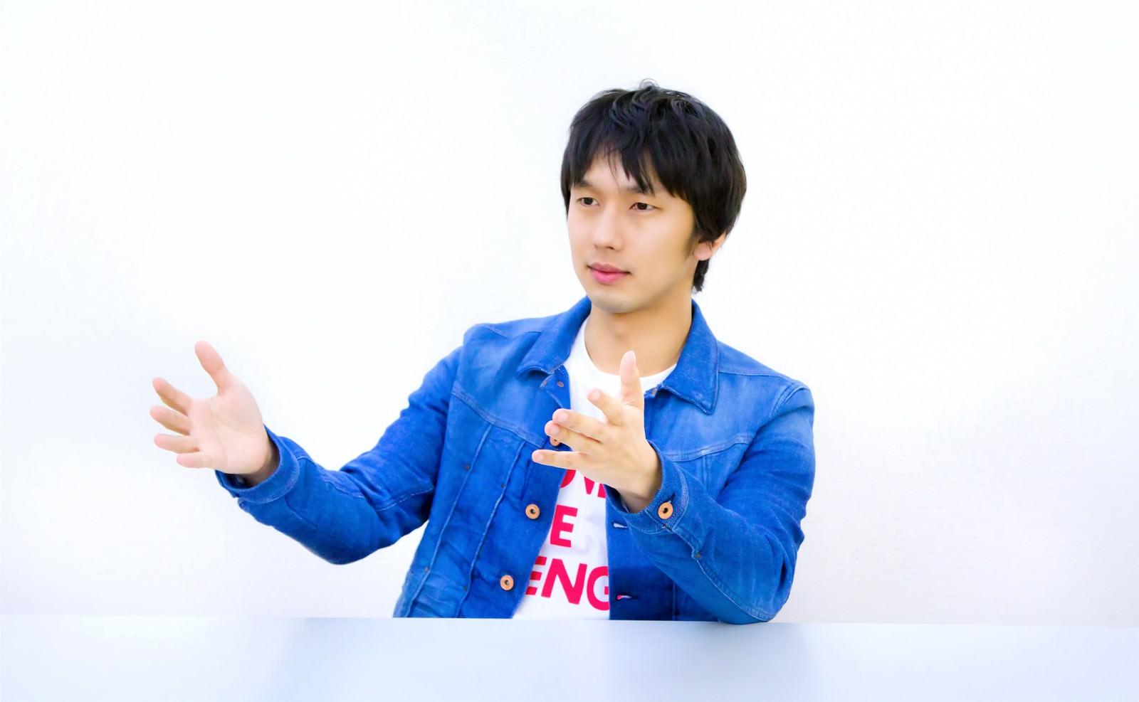 「ろくろ系男子」の写真[モデル:大川竜弥]