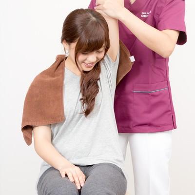 「柔道整復師の手技療法」の写真素材