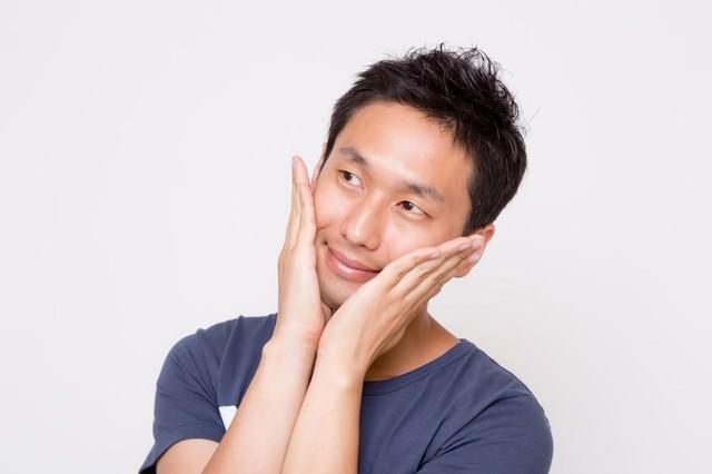 お肌ツルツルスキンケアな男性の写真