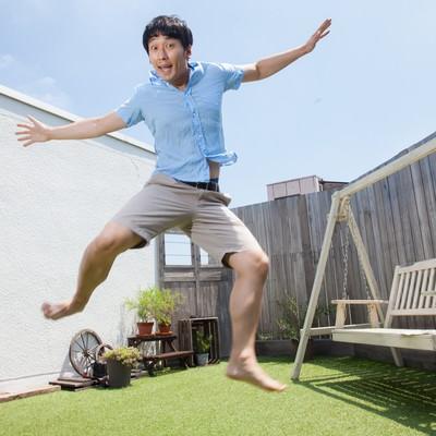 「空から陽気なカリビアンが降ってきた」の写真素材