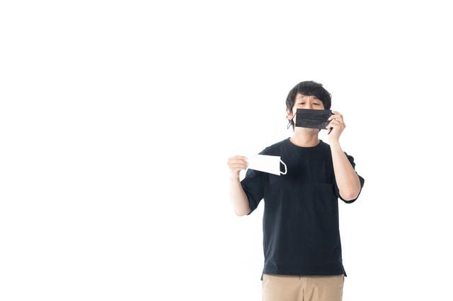 黒と白のマスクの写真