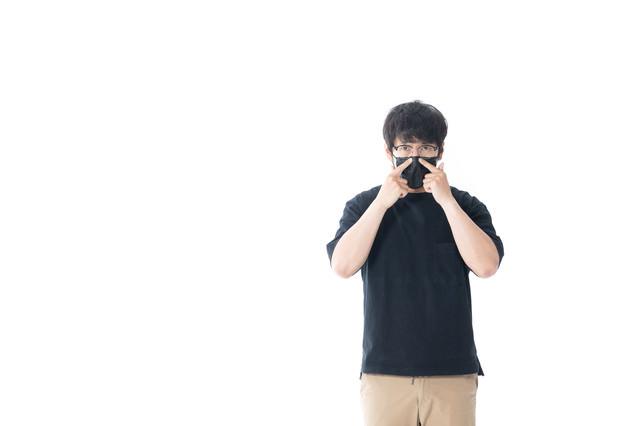 マスクをして息をするとここから漏れるの写真