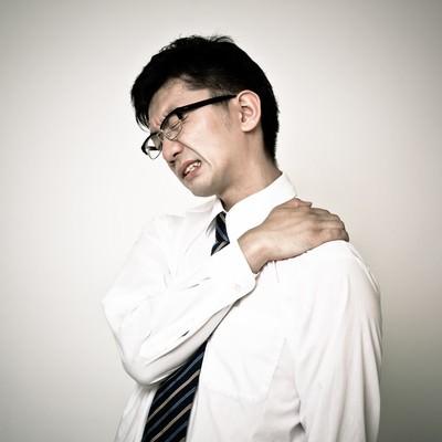 肩こりが酷いIT系エンジニアの写真