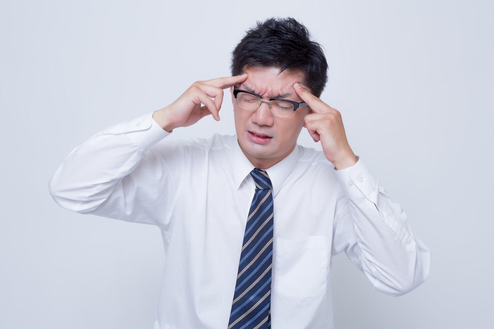 「頭痛が痛い」の写真[モデル:OZPA]