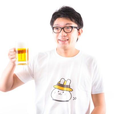 「ただいま~ とりあえずビールで! 糖質、プリン体、気にしない」の写真素材