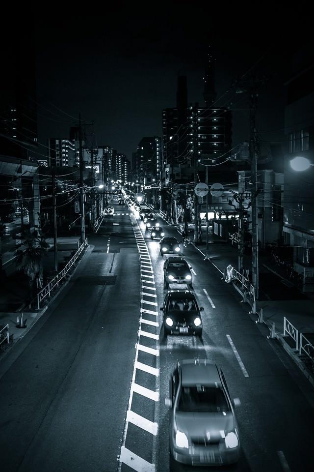 工事の為、片側一車線(夜間)の写真