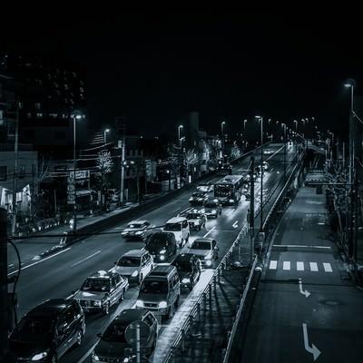 「n 幹線道路(夜間)」の写真素材