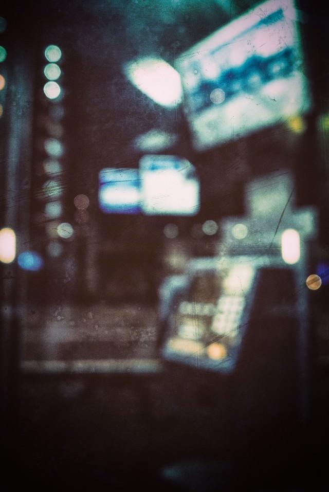 真夜中の公衆電話(ノイズ)の写真
