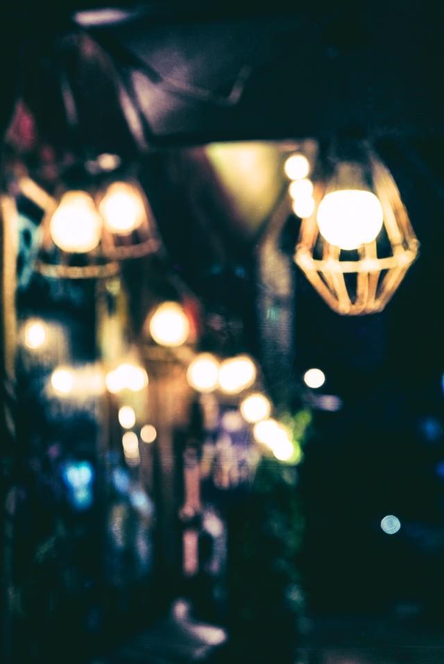 工事現場の作業灯の写真