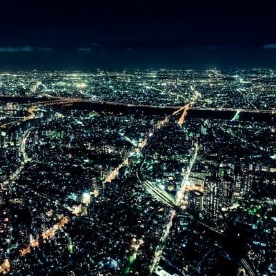 「都会の静脈(夜景)」の写真素材