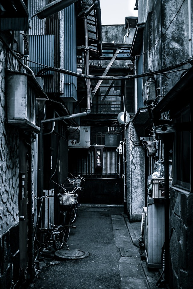 昭和感のある街並みの写真