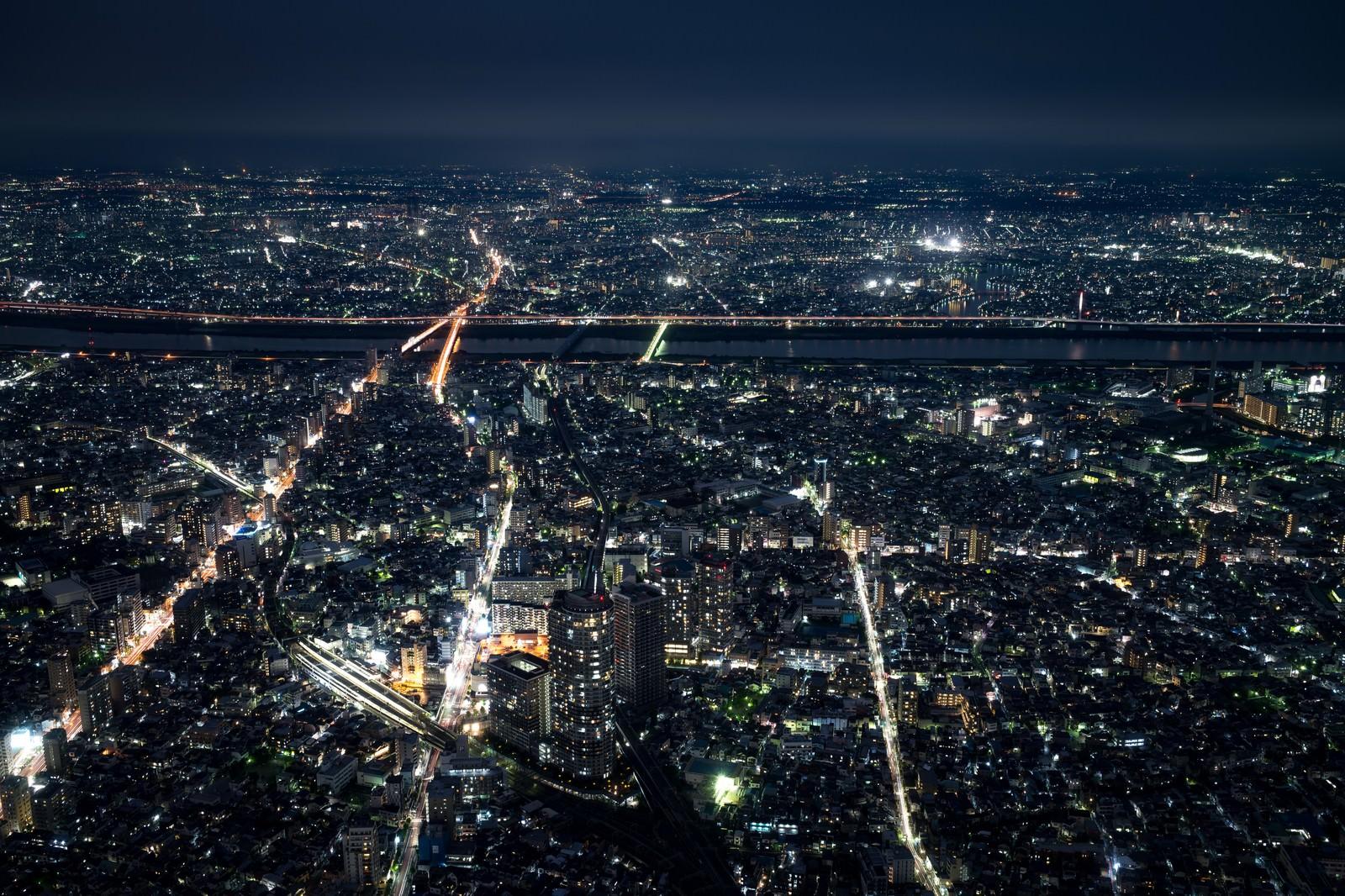 「都会の夜景都会の夜景」のフリー写真素材を拡大
