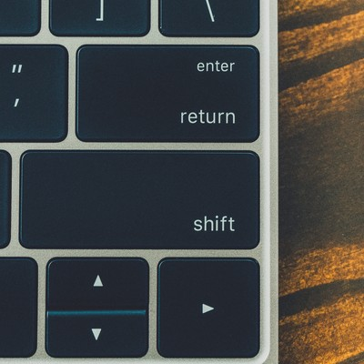 「キーボードの enterと shift」の写真素材