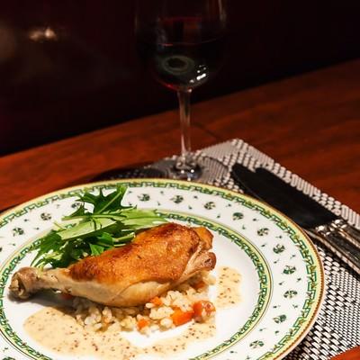 「鶏もも肉のコンフィ」の写真素材