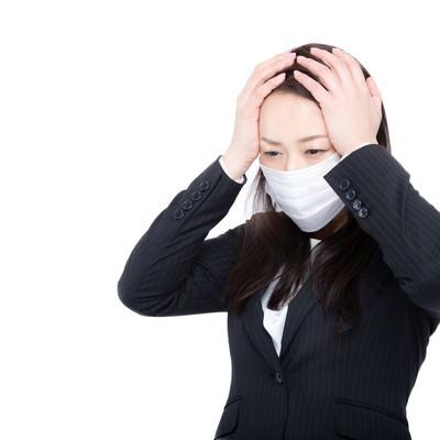 「花粉症かと思ったら風邪だった時」の写真素材