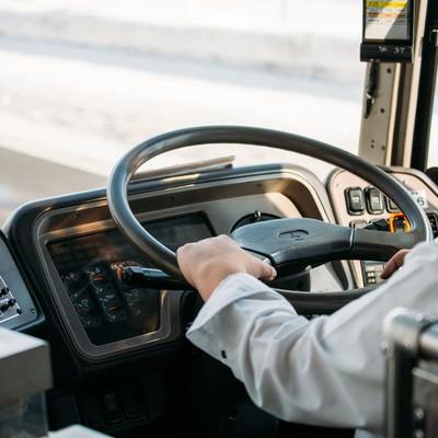 「高速バスの運転手」の写真素材