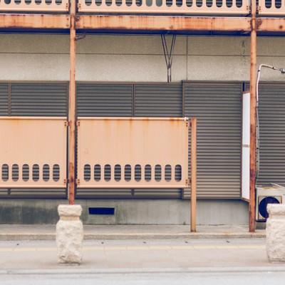 「誰も住んでいないアパート」の写真素材
