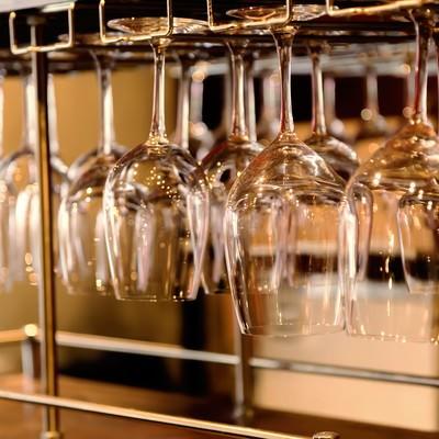「ワイングラスハンガー」の写真素材