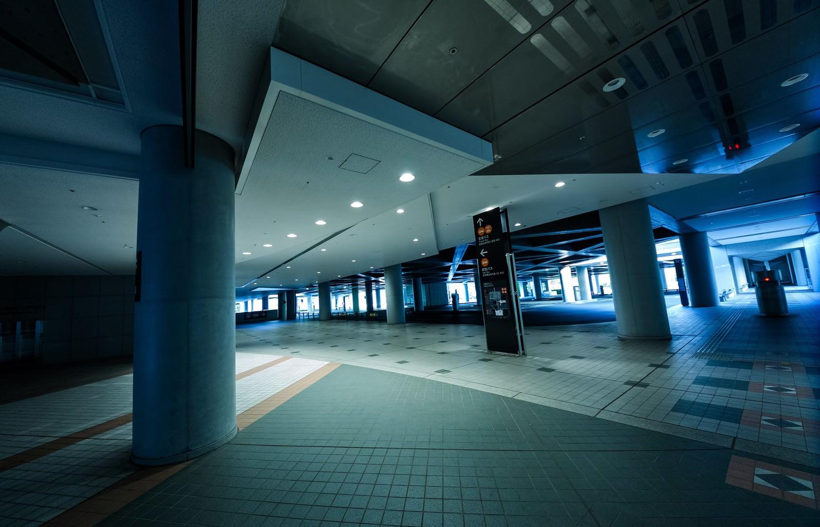 「東京ビッグサイトのロータリー」の写真