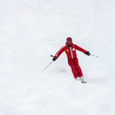 「滑走するスキー(アルペン)」の写真素材