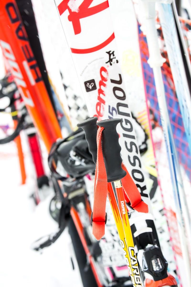 「スキーのストックやボード」の写真