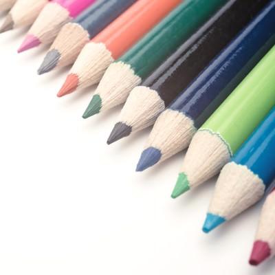 「12色の色鉛筆」の写真素材