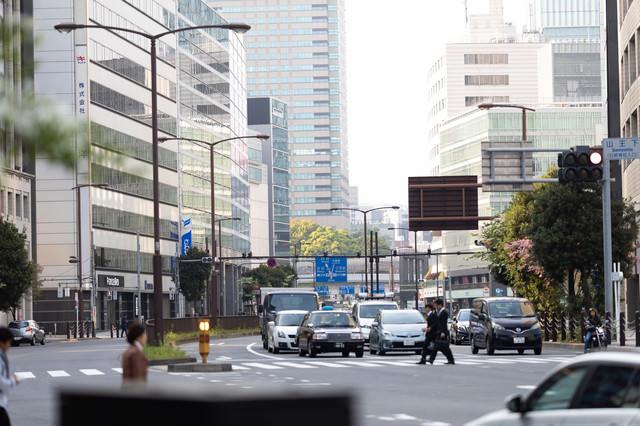 溜池山王駅前の外堀通りの写真