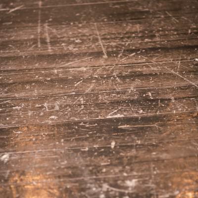 「傷だらけの木の床」の写真素材