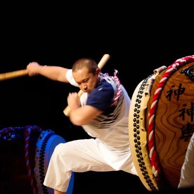 「三宅太鼓の力強さ」の写真素材
