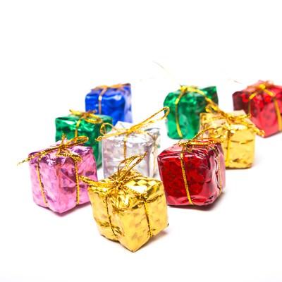 「四角いプレゼントボックス」の写真素材