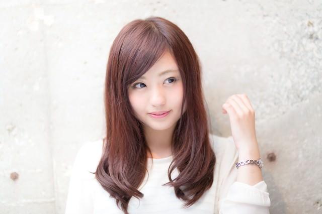渋谷のIT企業で働くキラキラ女性広報の写真