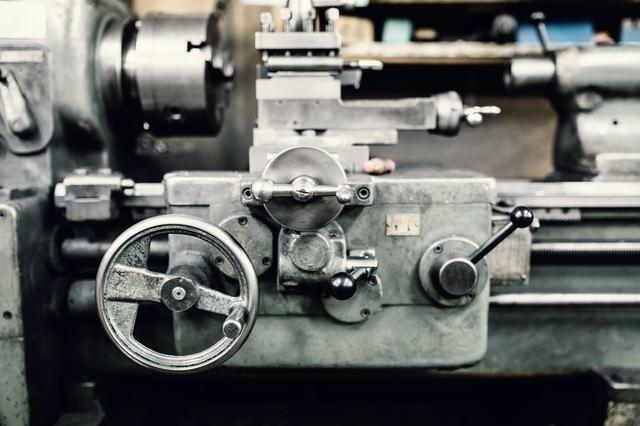 汎用旋盤(横)の写真
