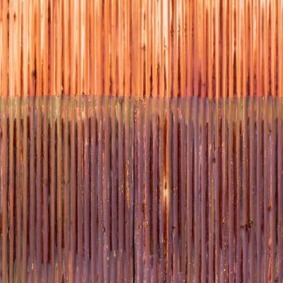 「赤く錆びたトタン(テクスチャー)」の写真素材