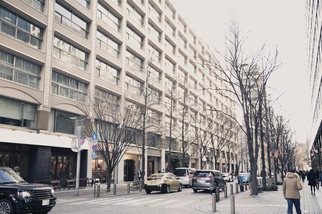 冬の丸の内の街の写真