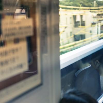 今朝の通勤電車内の写真