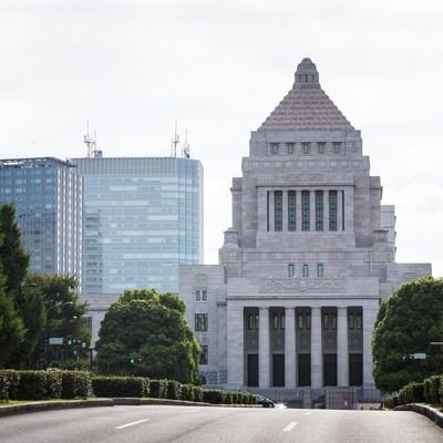 国会議事堂前の道路の写真